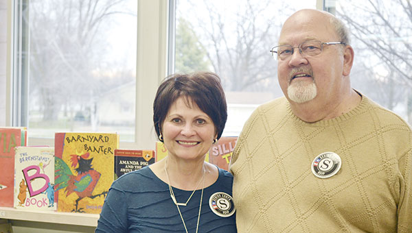 Kathy and Ron Howard volunteered at Banfield Elementary School helping students in first-grade classes with basic skills such as reading, writing or math, through the Senior Corps. Common Good RSVP program. Jenae Hackensmith/jenae.hackensmith@austindailyherald.com